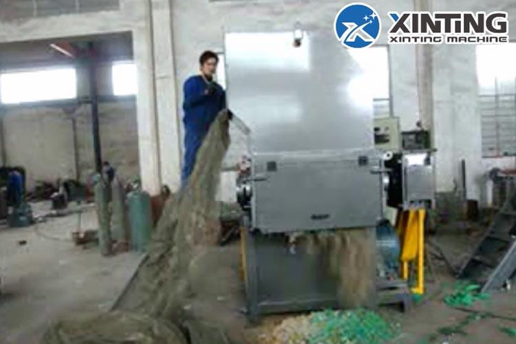 Fishnet-Shredder-Machine-Single-Shaft-Shredder-High-Capacity